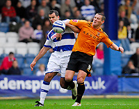 Photo: Leigh Quinnell/Sportsbeat Images.<br /> Queens Park Rangers v Hull City. Coca Cola Championship. 03/11/2007. Hulls Dean Windass battles with QPRs Chris Barker.