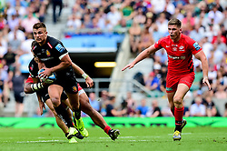 Henry Slade of Exeter Chiefs makes a break - Mandatory by-line: Ryan Hiscott/JMP - 01/06/2019 - RUGBY - Twickenham Stadium - London, England - Exeter Chiefs v Saracens - Gallagher Premiership Rugby Final