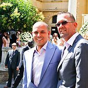 ITA/Siena/20100717 Wedding of soccerplayer Wesley Sneijder and tv host Yolanthe Cabau van Kasbergen, Robert van der Sanden en partner