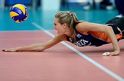 01-10-2014 ITA: World Championship Volleyball Servie - Nederland, Verona<br /> Nederland verliest met 3-0 van Servie em is uitgeschakeld voor de final 6 / Manon Flier