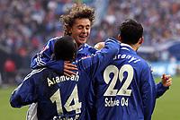Fotball<br /> Foto: imago/Digitalsport<br /> NORWAY ONLY<br /> <br /> 25.02.2006<br /> <br /> Rafinha (Mitte), Kevin Kuranyi (re.) und Gerald Asamoah (alle Schalke 04) - Torjubel