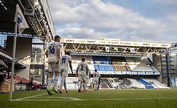FC Københavns spillere går på banen til en næste tilskuerløs kamp i 3F Superligaen mellem FC København og AaB den 17. juni 2020 i Telia Parken, København (Foto: Claus Birch).