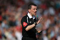 Photo: Rich Eaton.<br /> <br /> Swindon Town v Mansfield Town. Coca Cola League 2. 21/04/2007. referee Mr Stroud