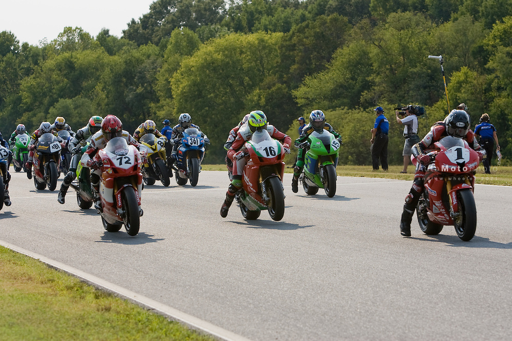 Round 9 of the AMA Superbike Championship at Virginia International Raceway, Alton, VA, August 17-19 , 2007<br /> <br /> ::Images shown are not post processed ::Contact me for the full size file and required file format (tif/jpeg/psd etc) <br /> <br /> ::For anything other than editorial usage, releases are the responsibility of the end user and documentation/proof will be required prior to file delivery.