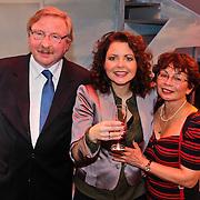 NLD/Zaandam/20101122 - Premiere Volendam de Musical, cast, Maaike Widdershoven en ouders