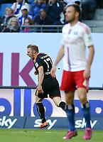 Fotball<br /> Tyskland<br /> 28.05.2015<br /> Foto: Witters/Digitalsport<br /> NORWAY ONLY<br /> <br /> 0:1 Jubel Torschuetze Rouwen Hennings (KSC)<br /> Fussball Bundesliga, Relegation Hinspiel, Hamburger SV - Karlsruher SC
