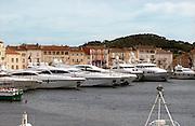 Frankrijk, St. Tropez, 27-8-2006Luxe jachten in de haven van dit stadje aan de cote d azur aan de Middelandse Zee. Foto: Flip Franssen/Hollandse Hoogte