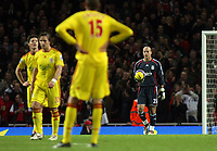 Photo: Paul Thomas.<br /> Arsenal v Liverpool. The Barclays Premiership. 12/11/2006.<br /> <br /> Pepe Reina (R) and his Liverpooln team mates show their dejection after Arsenal score their second goal.