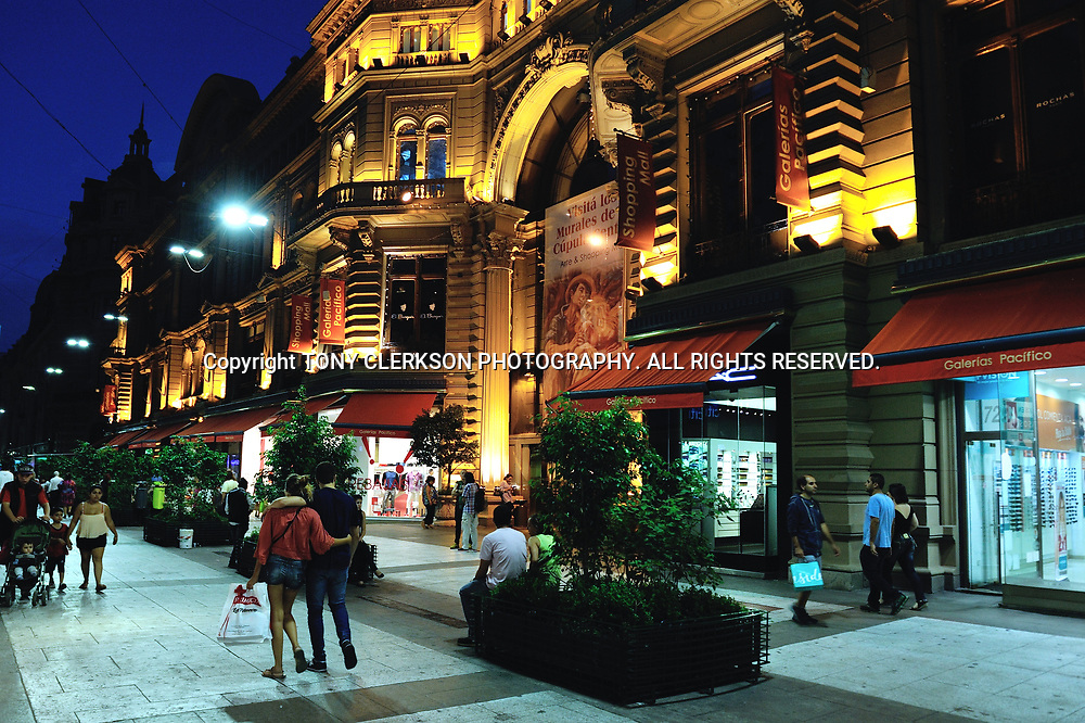 The popular shopping area of Buenos Aires at night
