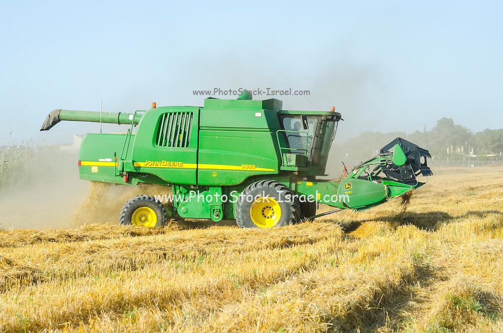 John Deere Combine harvester wheat Harvesting close up