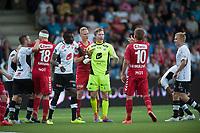 Fotball<br /> 17. August 2015<br /> OBOS Ligaen<br /> Fosshaugane Campus<br /> Sogndal - Brann<br /> Høy stemning på stadion , Hannu Patronen (L) , Babacar Sarr (6R) , keeper Mathias Dyngeland (3) og Taijo Teniste (R) , Sogndal <br /> Azar Karadas (6R) , Kristoffer Barmen (4R) og  Steffen Lie Skålevik (2R) , Brann<br /> Foto: Astrid M. Nordhaug