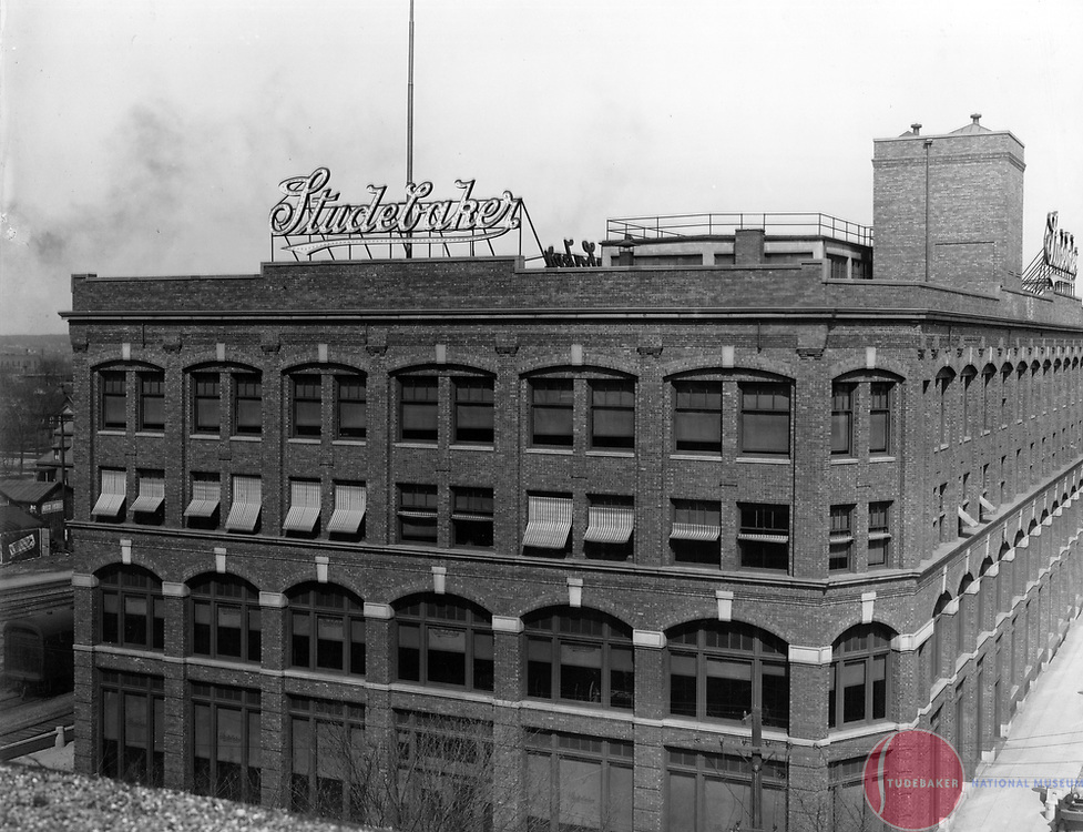 The west face of the Studebaker Corporation's Administration Building, South Bend, Indiana c. 1915.  Designed by Solon Beman.