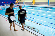 Paris, France. 27 Avril 2009..Epreuves du test de selection pour entrer à la Brigade Fluviale de Paris a la piscine Blomet (15eme arrondissement)...Paris, France. April 27th 2009..Entrance examination of the Paris fluvial squad at the swimming pool Blomet (15th arrondissement).