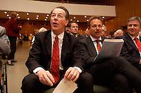 15 JUL 2004, BERLIN/GERMANY:<br /> Franz Muentefering (L), SPD Parteivorsitzender, Frank Bsirske (R), ver.di Vorsitzender,  singen zusammen, waehrend einem Festakt zum 100. Geburtstag von Karl Richter, langjähriges aktives Mitglied von Partei und Gewerkschaft, Rathaus Reinickendorf<br /> IMAGE: 20040715-01-021<br /> KEYWORDS: Franz Müntefering, Feier, Gesang
