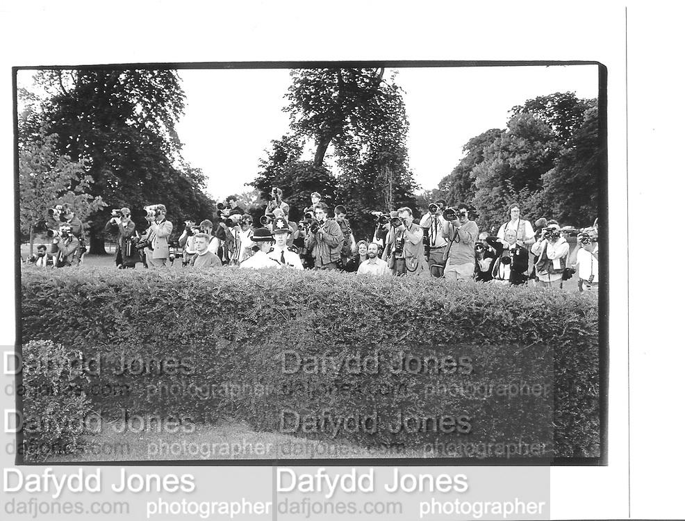 Photograph over wall, Serpentine gallery, London 1994© Copyright Photograph by Dafydd Jones 66 Stockwell Park Rd. London SW9 0DA Tel 020 7733 0108 www.dafjones.com