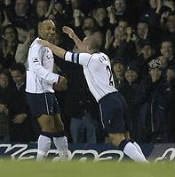Fotball<br /> Premier League - Tottenham v Birmingham<br /> 7. januar 2004<br /> White Hart Lane - London<br /> Foto: Digitalsport<br /> Norway Only<br /> Tottenhams Stephane Dalmat og Stephen Carr jubler etter mål