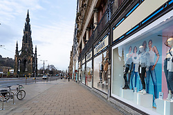 Edinburgh, Scotland, UK. 18 March 2020. Coronavirus scare leads to empty streets in Edinburgh. Pictured is Princes Street which is normally busy during morning rush hour. Edinburgh,. Iain Masterton/Alamy Live News.