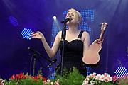 """Auftritt von Sarah Jane Scott beim Open Air-Festival """"Der Berg bebt!"""" vom 15.07.2017 auf dem Plaun Grond, Flims."""