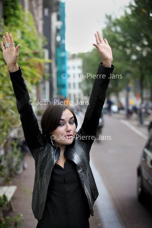 Nederland, Amsterdam , 5 oktober 2013.<br /> Sasha Grey  was een van de populairste pornosterren ter wereld. Vervolgens heeft ze gespeeld in de hitserie Entourage, is ze DJ en sinds kort auteur van het erotische boek Het Juliette-genootschap. En ze is pas 25.<br /> Foto:Jean-Pierre Jans