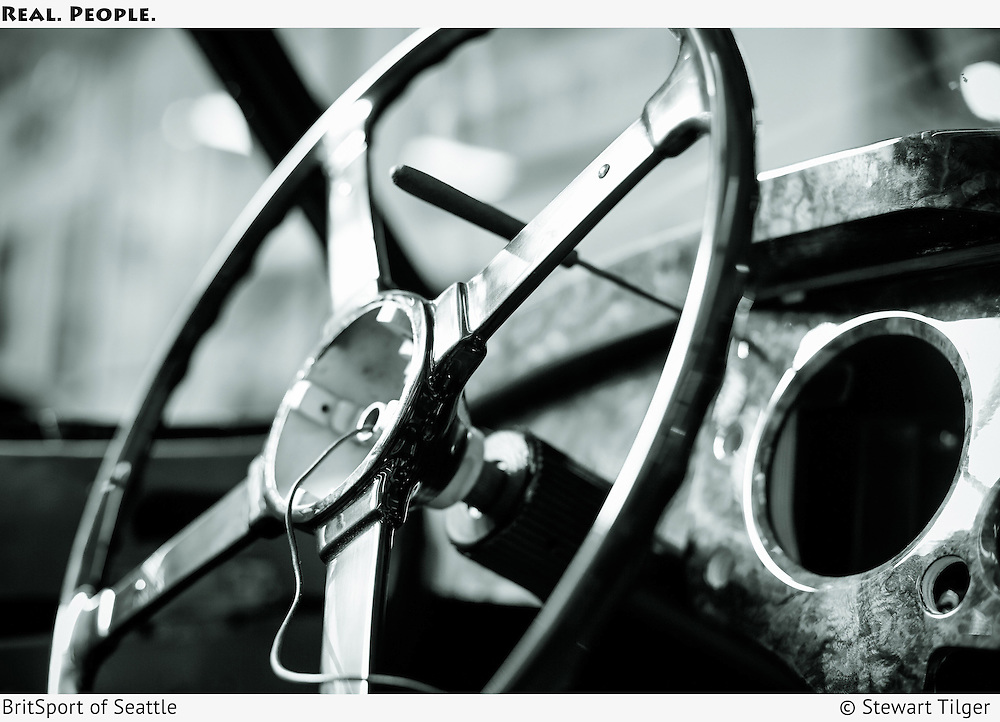 Jaguar XK140 Drop Head Coupe-Steering column wiring.