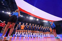 12.06.2018, Porsche Arena, Stuttgart<br /> Volleyball, Volleyball Nations League, Türkei / Tuerkei vs. Niederlande<br /> <br /> Team Niederlande waehrend Hymne / Flagge<br /> <br /> Foto: Conny Kurth / www.kurth-media.de