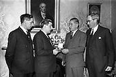 1964 - Presentation of World Wines and Liquor Olympics award to John Power and Son Ltd