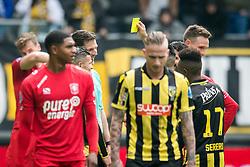 (L-R) referee Jochem Kamphuis, Navarone Foor of Vitesse during the Dutch Eredivisie match between Vitesse Arnhem and FC Twente Enschede at Gelredome on April 29, 2018 in Arnhem, The Netherlands