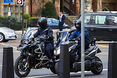 2018-05-01 - SWNS - Motorcycle thieves on Marylebone Road