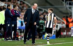 Newcastle United manager Rafa Benitez talks to Matt Ritchie of Newcastle United - Mandatory by-line: Robbie Stephenson/JMP - 20/02/2017 - FOOTBALL - St James Park - Newcastle upon Tyne, England - Newcastle United v Aston Villa - Sky Bet Championship