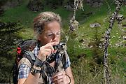 Ulrike Ruprecht is an expert for lichens. GEO day of biodiversity at the Hohe Tauern National Park, Austria. | Ulrike Ruprecht ist Expertin für Flechten. GEO-Tag der Artenvielfalt im Nationalpark Hohe Tauern 2013, Österreich.