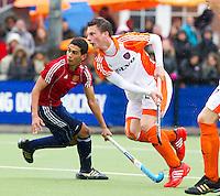 AERDENHOUT - 09-04-2012 - Bram van Groesen, maandag tijdens de finale tussen Nederland Jongens A en Engeland Jongens A  (3-3) , tijdens het Volvo 4-Nations Tournament op de velden van Rood-Wit in Aerdenhout. Engeland wint met shoot-outs. FOTO KOEN SUYK