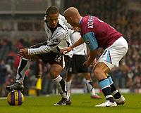 Photo: Alan Crowhurst.<br />Fulham v West Ham United. The Barclays Premiership. 23/12/2006. Fulham's Wayne Routledge (L) with Paul Konchesky.