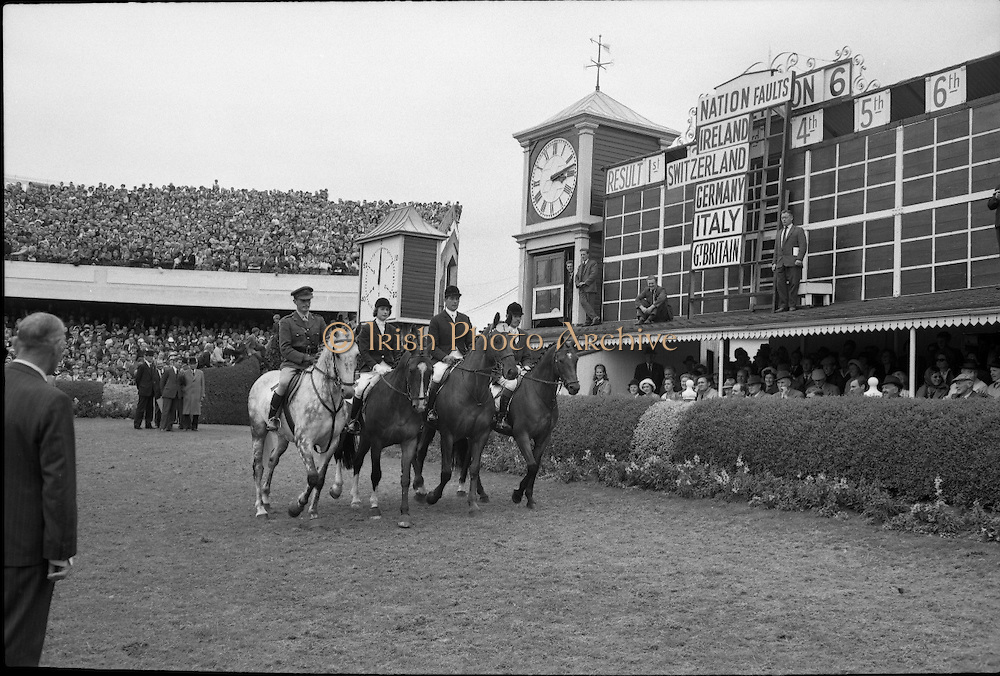 RDS Horse Show. The Irish team which won the Aga Khan Trophy, Nations Cup..08.08.1963