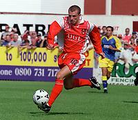 Ian Foster - Kidderminster. Kidderminater Harriers v Torquay United. League Division Three, 12/8/00. Credit Colorsport / Nick Kidd.