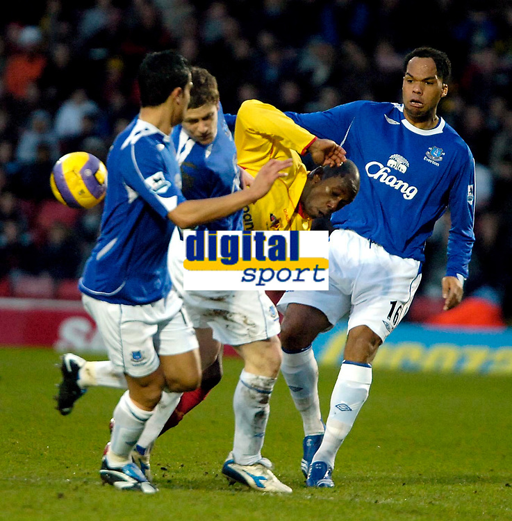 Photo: Ed Godden/Sportsbeat Images.<br /> Watford v Everton. The Barclays Premiership. 24/02/2007.<br /> Watford's Steve Kabba is sandwiched between the Everton defence.