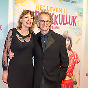 NLD/Amsterdam/20180122 - Filmpremiere Het leven is vurrukkulluk, Ate de Jong en partner ......
