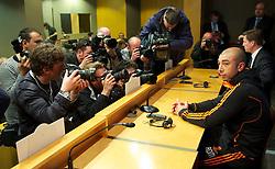 23.04.2012, Stadion Camp Nou, Barcelona, ESP, UEFA CL, Halblfinal-Rueckspiel, FC Barcelona (ESP) vs FC Chelsea (ENG), im Bild Chelsea's manager Roberto Di Matteo ahead the UEFA Championsleague Halffinal 2st Leg Match, between FC Barcelona (ESP) and FC Chelsea (ENG), at the Camp Nou Stadium, Barcelona, Spain on 2012/04/23. EXPA Pictures © 2012, PhotoCredit: EXPA/ Propagandaphoto/ David Rawcliffe..***** ATTENTION - OUT OF ENG, GBR, UK *****