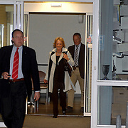 NLD/Den Haag/20070410 - Geboort 3e kind Willem Alexander en Maxima, moeder van maxima, María del Carmen Cerruti de Zorreguieta vertrek uit het ziekenhuis
