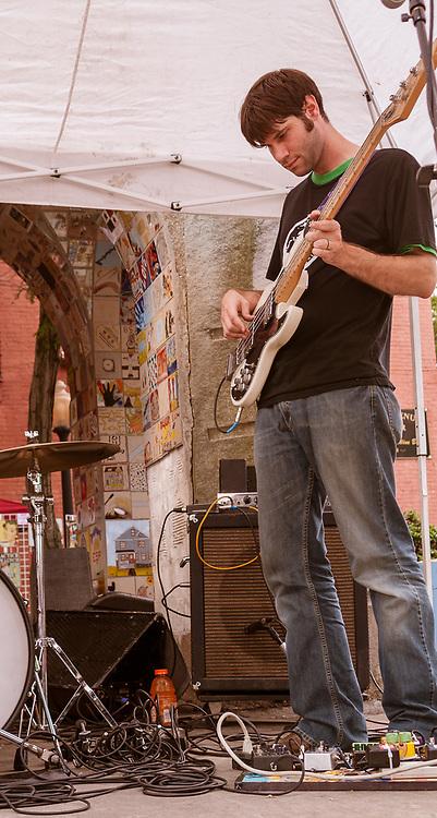 Shiny Penny Open Air at Market Square photo by Cleveland music photographer Mara Robinson: Kristen Ward, Jim Ward, Eric Schulte, Liz Kelly, Rick Spitalksy