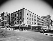 Simon 058. Bates Garage building, The Broiler restaurant, SW 9th & Salmon on NW corner. April 24, 1950.