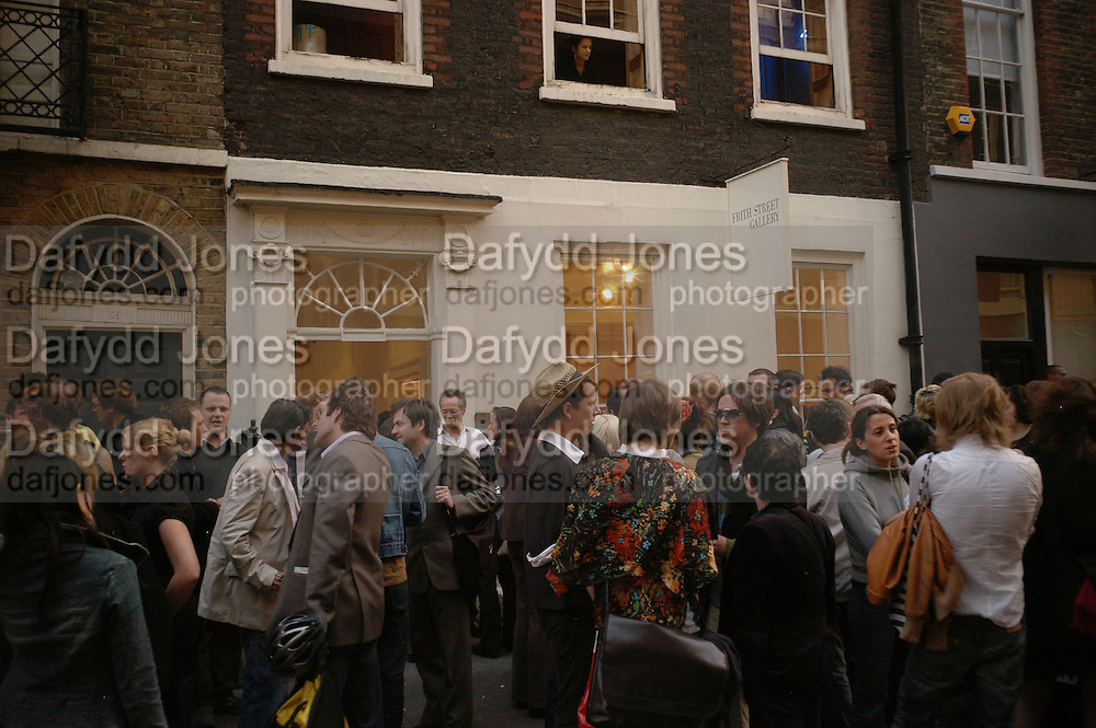 Nude, Fiona Banner exhibition opening. Frith St. Gallery. London. 3 May 2006. ONE TIME USE ONLY - DO NOT ARCHIVE  © Copyright Photograph by Dafydd Jones 66 Stockwell Park Rd. London SW9 0DA Tel 020 7733 0108 www.dafjones.com