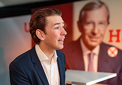 19.04.2018, Getreidegasse, Salzburg, AUT, Landtagswahl in Salzburg 2018, OeVP Wahlkampfschlussveranstaltung, im Bild v.l.: Bundeskanzler Sebastian Kurz (OeVP) // Austrian Federal Chancellor Sebastian Kurz during a campaign event of the OeVP Party for the State election in Salzburg 2018. Getreidegasse in Salzburg, Austria on 2018/04/19. EXPA Pictures © 2018, PhotoCredit: EXPA/ JFK