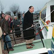 1e Proefvaart veer Huizen - Almere met b & w Huizen