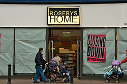 Rosebeys textiles shop closing down sale due to recession crisis Reading Berks Dec 2008