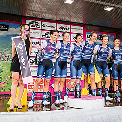CORDON-RAGOT Audrey ( FRA ) - VAN DIJK Ellen ( NED ) - WILES Tayler ( USA ) - WINDER Ruth ( USA ) – LONGO BORGHINI Elisa ( ITA ) - WILES Tayler ( USA ) - DEIGNAN Elizabeth ( GBR ) - TREK - Segafredo ( TFS ) - USA – Winner - First Place - Award Ceremony – Medal Ceremony – Podium - Querformat - quer - horizontal - Landscape - Event/Veranstaltung: Giro Rosa Iccrea - 1. Stage - Category/Kategorie: Cycling - Road Cycling - Cycling Tour - Elite Women - Location/Ort: Europe – Italy - Start: Grosseto - Finish: Grosseto - Discipline: Cycling - Road Cycling - Cycling Tour - Team Time Trail ( TTT ) - Distance: 16,8 km - Date/Datum: 11.09.2020 – Friday - Photographer: © Arne Mill - frontalvision.com