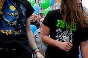 Prag/Tschechische Republik, Tschechien, CZE, 05.04.2009: Demonstrantion gegen das geplante US Radar in der Tschechischen Republik auf dem Prager Wenzelsplatz. US Praesident Barack Obama nimmt an diesem Tag am US-EU Summit in Prag teil.| Prague/Czech Republic, CZE, 05.04.2009: Demonstration against the planned US military radar base in Czech Republic at Wenceslav square on the day of Barack Obamas participation on the EU-US summit in Prague.|[(c)Bjoern Steinz, Vojanova 1408/28, 229 22 Lysa nad Labem, Tschechische Republik, phone +420 325551336, mobil +420 777 218 029, steinz@oka2.com, Bank: F r a n k f u r t e r  V o l k s b a n k     BLZ 50190000 Konto 0301951710 IBAN DE06501900000301951710 BIC FFVBDEFF, www.bsteinz.de. Bei Verwendung des Fotos ausserhalb journalistischer Zwecke bitte Ruecksprache mit dem Fotograf halten. Jegliche Verwendung nur gegen Beleg und Honorar nach MFM oder gesonderter Absprache, Publication only with royalty payment, credit line and print sample, Achtung: NO MODEL RELEASE]..[#0,26,121#]