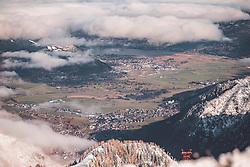 THEMENBILD - Ansicht von Kaprun, der Tauern Spa, Schüttdorf und dem herbstlichen Zeller Becken. Über dem Zeller See liegt noch Bodennebel, aufgenommen am 10. November 2019, Kaprun, Österreich // View of Kaprun, the Tauern Spa, Schüttdorf and the autumnal Zeller Basin. Above the Zeller lake there is still ground fog. on 2019/11/10, Kaprun, Austria. EXPA Pictures © 2019, PhotoCredit: EXPA/ Stefanie Oberhauser