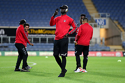 Charlton Athletic players have a look at the pitch prior to kick off at the Kassam Stadium