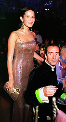 Model MISS SOPHIE ANDERTON and her fiance the HON.ROBERT HANSON, at a fashion show in London on 2nd April 2000.OCN 84<br /> © Desmond O'Neill Features:- 020 8971 9600<br />    10 Victoria Mews, London.  SW18 3PY  photos@donfeatures.com   www.donfeatures.com<br /> MINIMUM REPRODUCTION FEE AS AGREED.<br /> PHOTOGRAPH BY DOMINIC O'NEILL