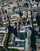 Nederland, Rotterdam, World Trade Centre, 08-03-2002; luchtfoto (25% toeslag); centrum van Rotterdam: World Trade Centre (aan de Coolsingel); links hiervan de Meent, rechts Beursplein overgaand in Hoogstraat; midden de Grote of Laurenskerk, met daarachter - diagonaal - de Binnenrotte; bombardement, wederopbouw, stadsvernieuwing, woningbouw, Gemeentehuis.NB ook liggende variant in archief.Foto Siebe Swart